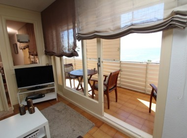 Apartment for sale centric with terrace in Front line beach-sitges-inmovenproperties- (6)