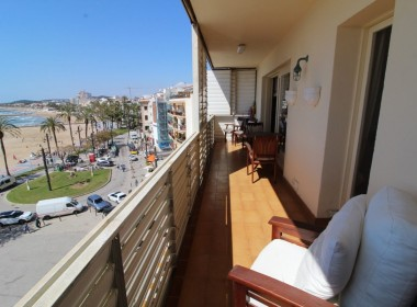 Apartment for sale centric with terrace in Front line beach-sitges-inmovenproperties- (8)