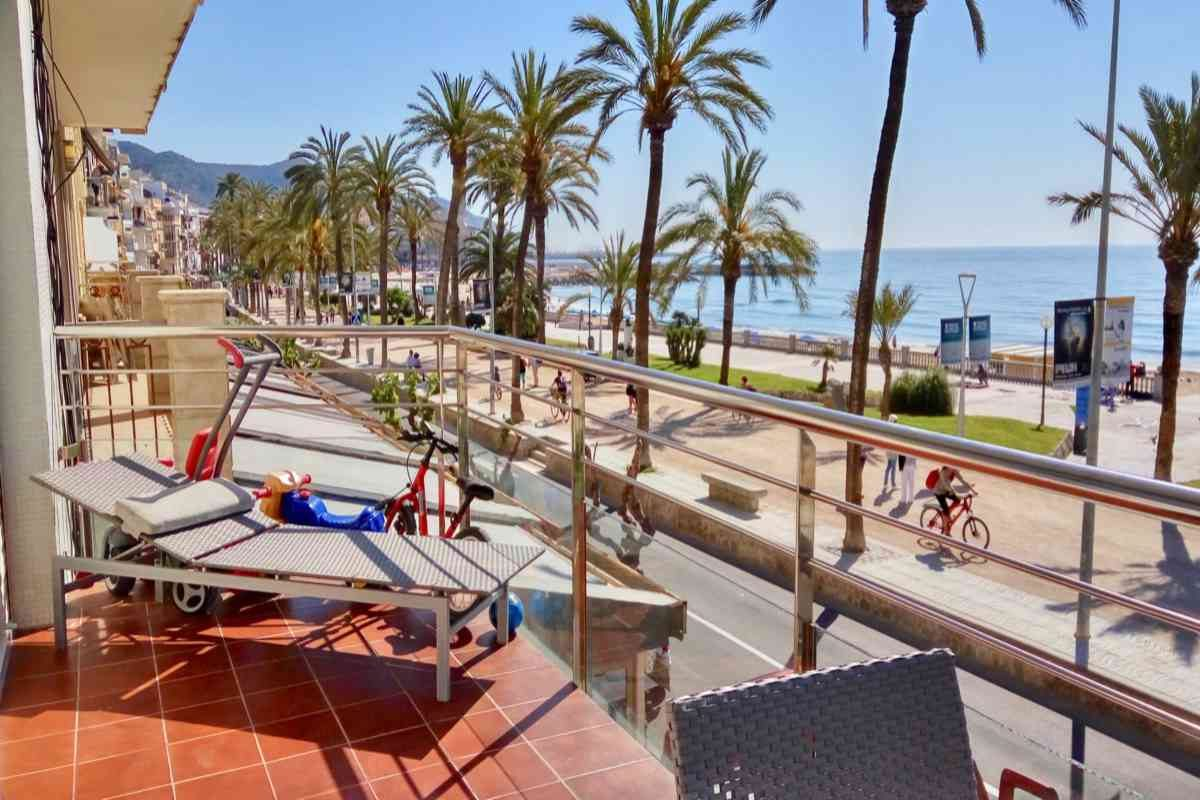 Sitges hotel beachfront