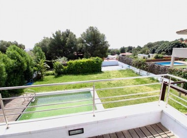 detached villa for sale terrace garden pool parking santa barbara-sitges-inmovenproperties (5)