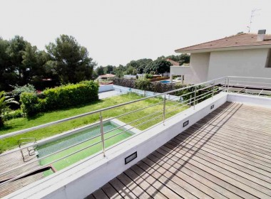 detached villa for sale terrace garden pool parking santa barbara-sitges-inmovenproperties (6)