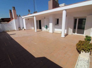 penthouse for sale in sitges large terrace 80m2-Inmoven Properties Sitges-3