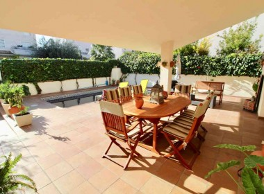 detached villa for sale with pool in Sitges-Inmoven Properties Sitges
