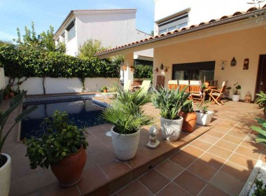 detached villa for sale with pool in Sitges-Inmoven Properties Sitges-7