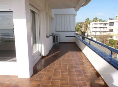 flat for rent seafront sitges with terrace-Inmoven Properties Sitges-2