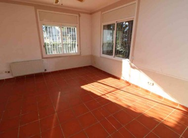 for sale semi detached terrace house in Sitges town with garden-Inmoven Properties Sitges
