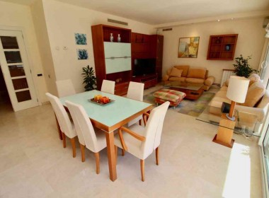 flat for sale in park de mar Sitges with large terrace and pool-Inmoven Properties Sitges-2