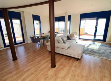 penthouse sea views in front line San Sebastian beach Sitges with large terrace-Inmoven Properties Sitges-2