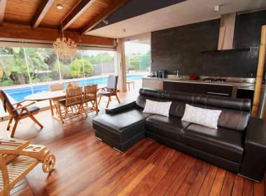 Detached Villa for sale with garden 1050m2-magnify with tourist license-sitges-inmovenproperties (7)