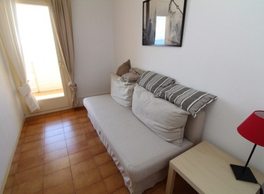 Flat for sale centric with terrace in Front line beach-sitges-inmovenproperties- (4)