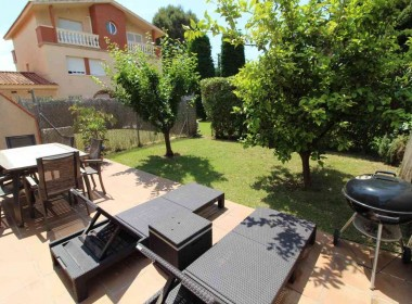 Terraced house for sale with garden Avd. Sofia-sitges-inmovenproperties (3)