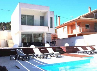 designes detached villa for sale with pool Canyelles-sitges-inmovenproperties- (1)