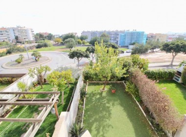 terraced house duplex for sale with terrace 45m2 with a garden-beachfront-sitges-inmovenproperties (4)