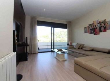4-bed-flat-with-terrace-and-pool-for-rent-in-Sitges-Inmoven-Properties-Sitges-2x (1)