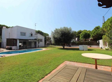 Detached villa with pool for rent in Sitges-Inmoven Properties Sitges-7