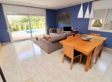 semi detached with private pool for sale in sitges-Inmoven Properties Sitges-3