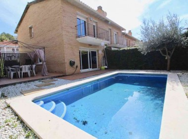 semi detached with private pool for sale in sitges-Inmoven Properties Sitges-6