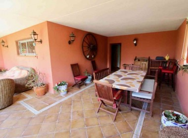 detched-villa-with-pool-for-sale-Inmoven-Properties-Sitges-3-1024x683