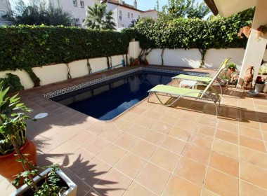detached villa for sale with pool in Sitges-Inmoven Properties Sitges-2