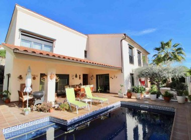 detached villa for sale with pool in Sitges-Inmoven Properties Sitges-4