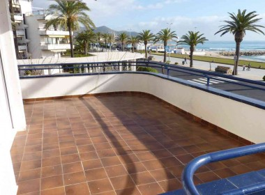 flat for rent seafront sitges with terrace-Inmoven Properties Sitges