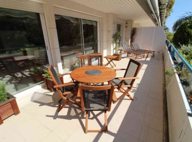 flat for sale in park de mar Sitges with large terrace and pool-Inmoven Properties Sitges-5