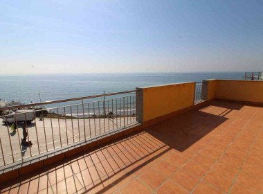 penthouse sea views in front line San Sebastian beach Sitges with large terrace-Inmoven Properties Sitges-7