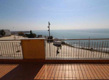 penthouse sea views in front line San Sebastian beach Sitges with large terrace-Inmoven Properties Sitges-8