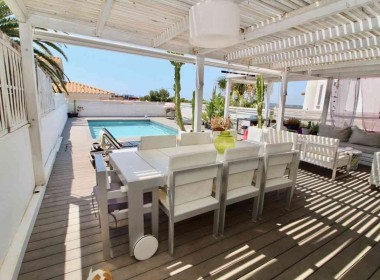 semi detached house for sale in Sitges with pool-Inmoven Properties Sitges