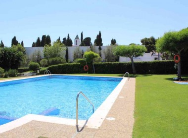 flat for sale with pool near de beach in Sitges-Inmoven Properties Sitges
