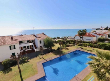apartment for sale with sea views pool and parking in Sitges-Inmoven Properties Sitges