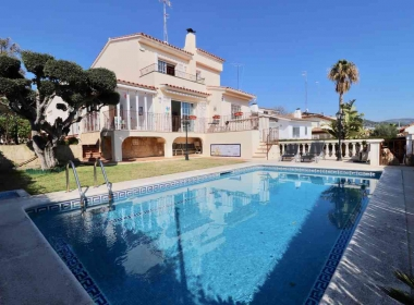 detached house for sale with pool and views in Sitges-Inmoven Properties Sitges-6
